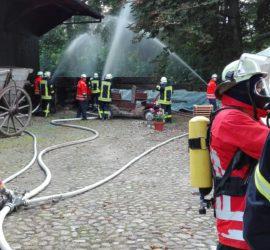 """Brandbekämpfung"" am Übungsobjekt"