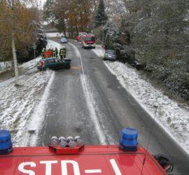 Unfallstelle in Kurvenbereich (Bild: Polizeiinspektion Stade)